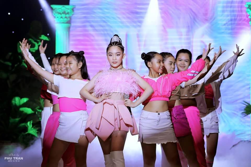 """NTK trẻ Ivan Trần khuấy động sân khấu làng thời trang sau đại dịch covid-19 bằng show diễn """"Ivan 6 – Ivan Resort 2020"""""""