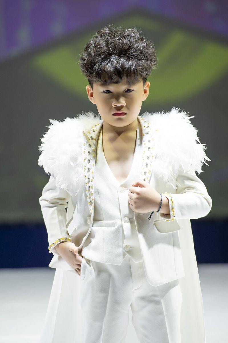 """Kiến Đạt """"Mỹ Nam xứ Hàn"""" của showbiz Việt Nam"""